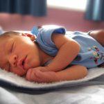 Co warto kupić na wyprawkę dla niemowlaka?